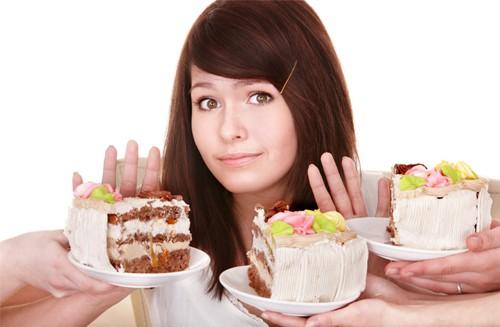Nguy cơ hiếm muộn vì ăn nhiều đồ ngọt