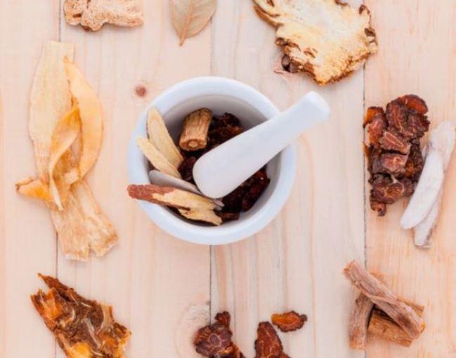 Chữa vô sinh bằng phương pháp cổ truyền – cẩn thận tiền mất tật mang